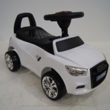 Машинка-каталка River Toys AUDI толокар с музыкой JY-Z01A Белый